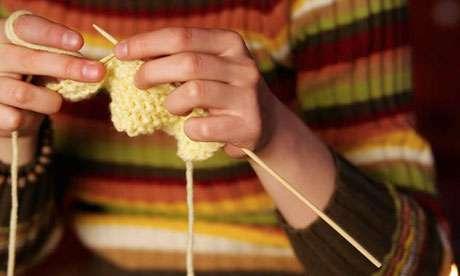 Young-woman-knitting-007